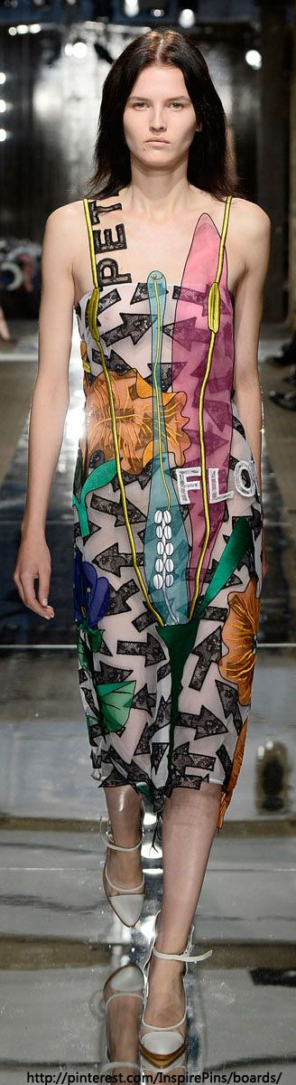Christopher Kane Spring 2014 Ready-to-Wear