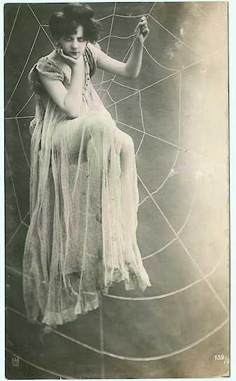 Seducente e Pericolosa, 1909