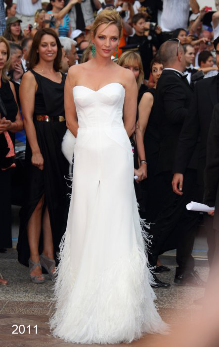 10. 2011-uma-thurman-versace-gown