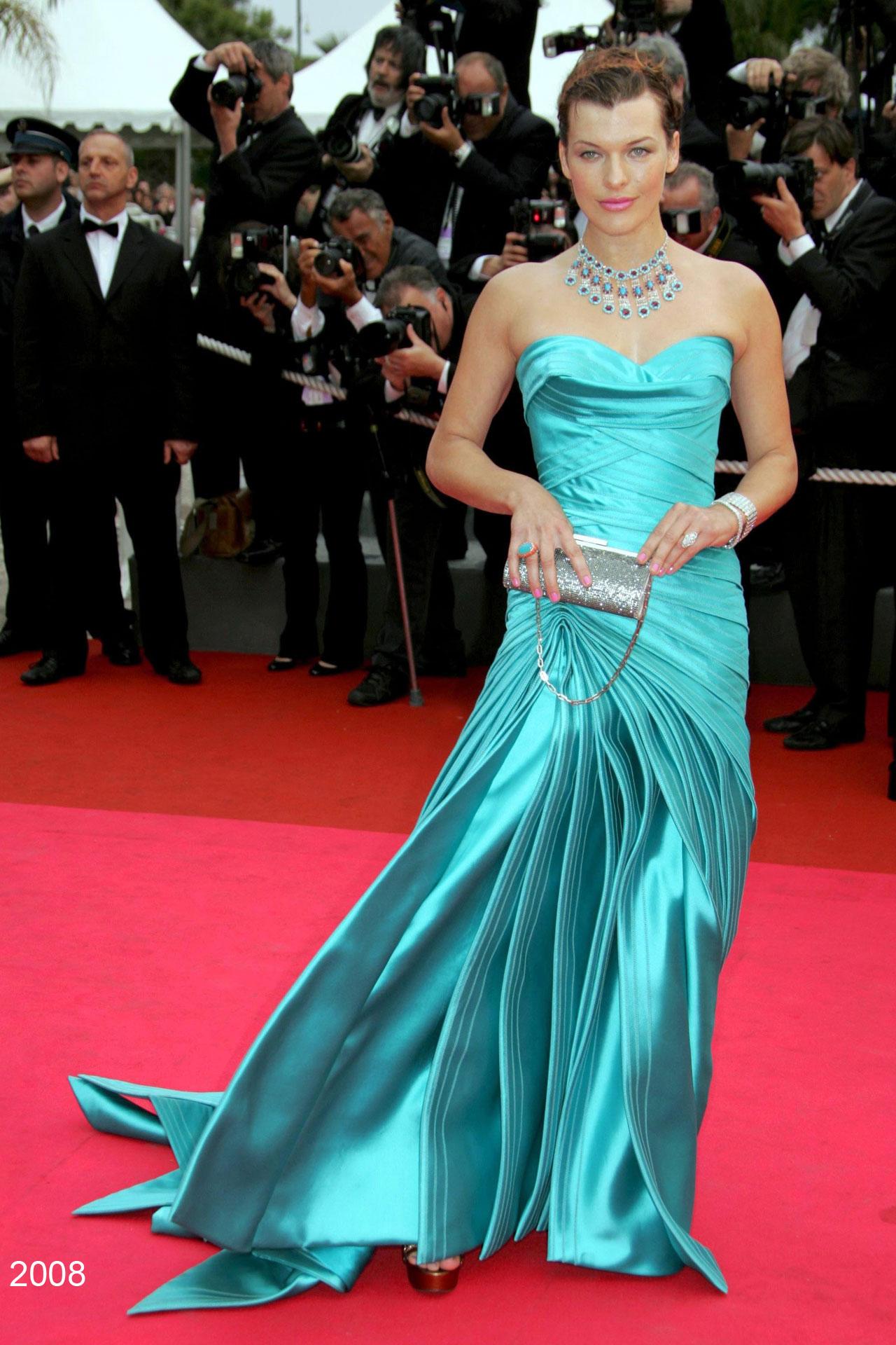 9. Milla Jovovich Versace 2008