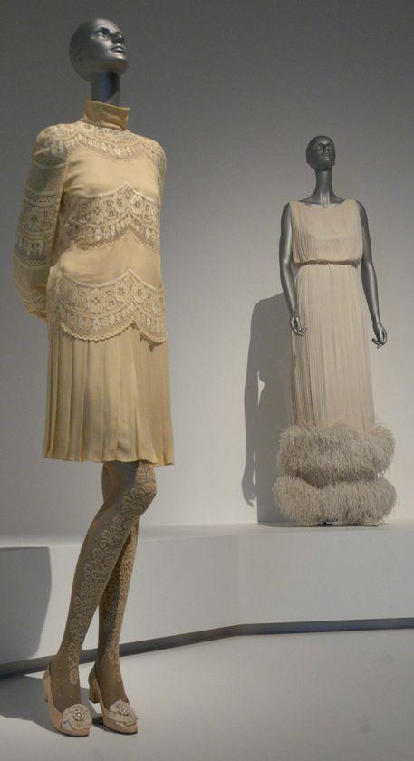 V-Jackie Kennedy wedding dress