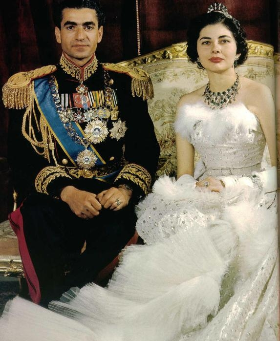 Risultati immagini per soraya bridal dress