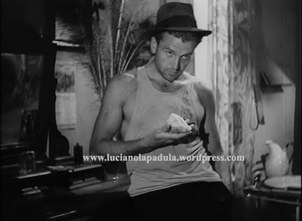 Ossessione-(1943)---Massimo-Girotti luchino viscnti clara calamai anna magnani film icona sexy men man uomo attore actor cinema storia moda fashion gay canottiera undershirt history luci
