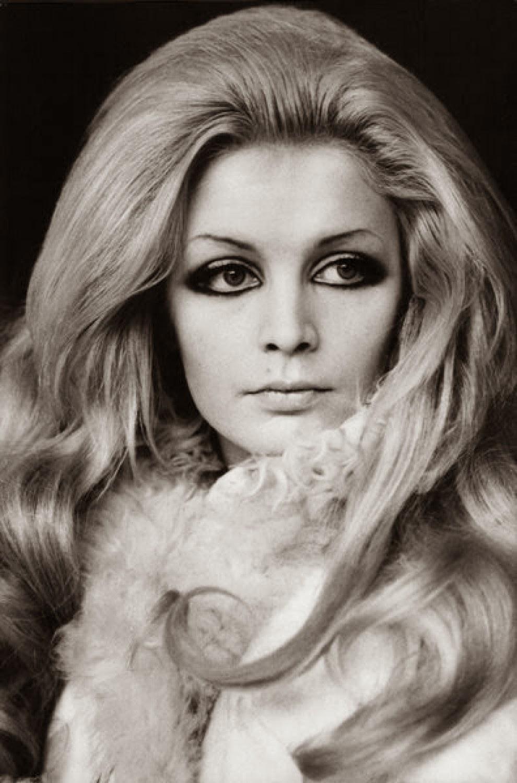 PATTI PRAVO hairstyle 1968 luciano lapadula moda dior
