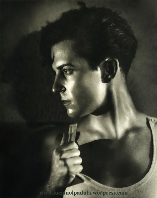 Ramon Novarro sexy men actor cinema history luciano lapadula blog wordpress storia della moda film movie gay canottiera old hollywood libro