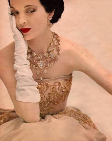 rouge dior 1953 rossetto lipstick teatro moda costume libro storia luciano lapadula immagine fashion glamour eleganza 50s