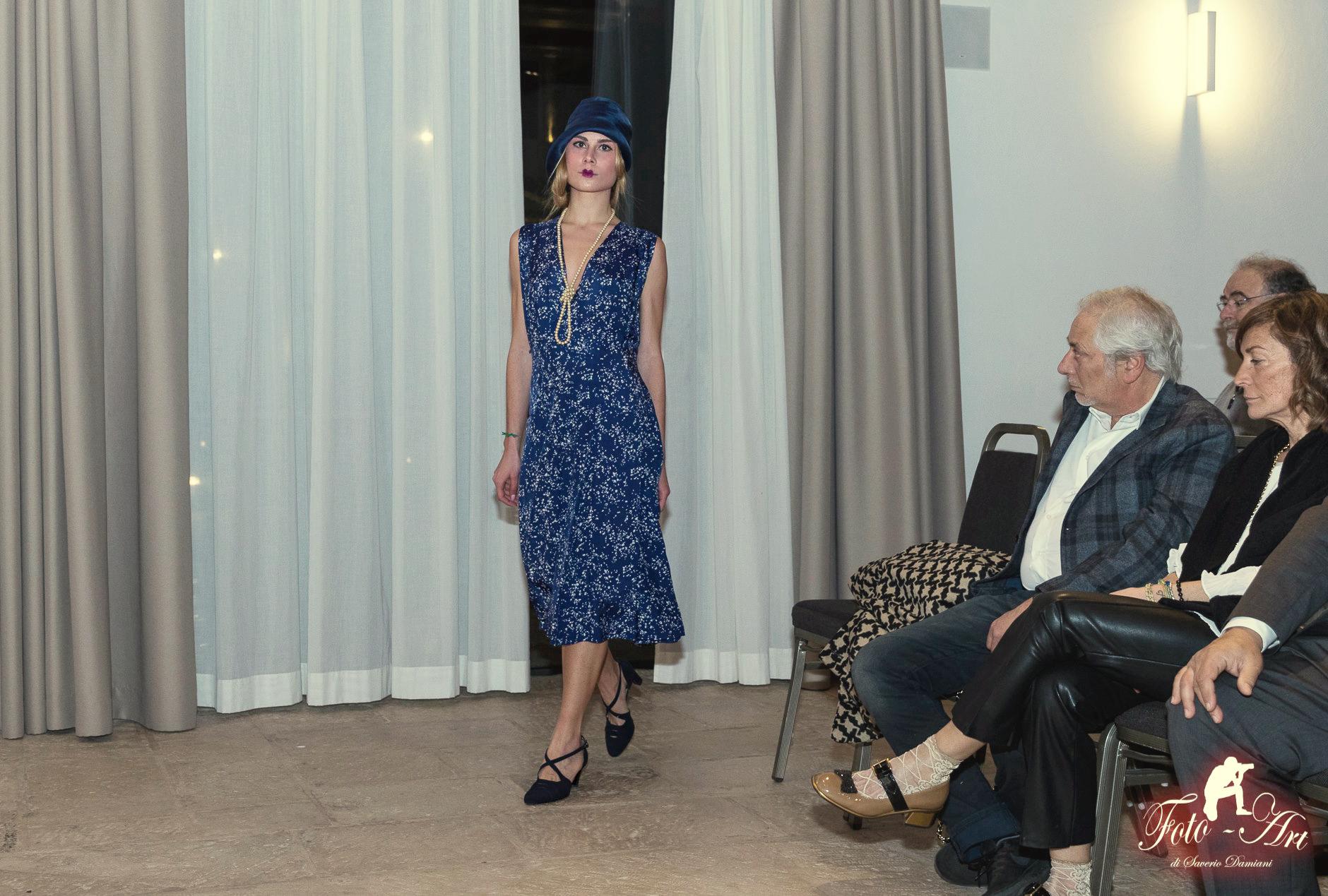 20s dress fashion museum moda luciano lapadula storia libro anni 20 il macabro e il grottesco nella moda e nel costume maria francesca bove sfilata rotary scrittore cloche