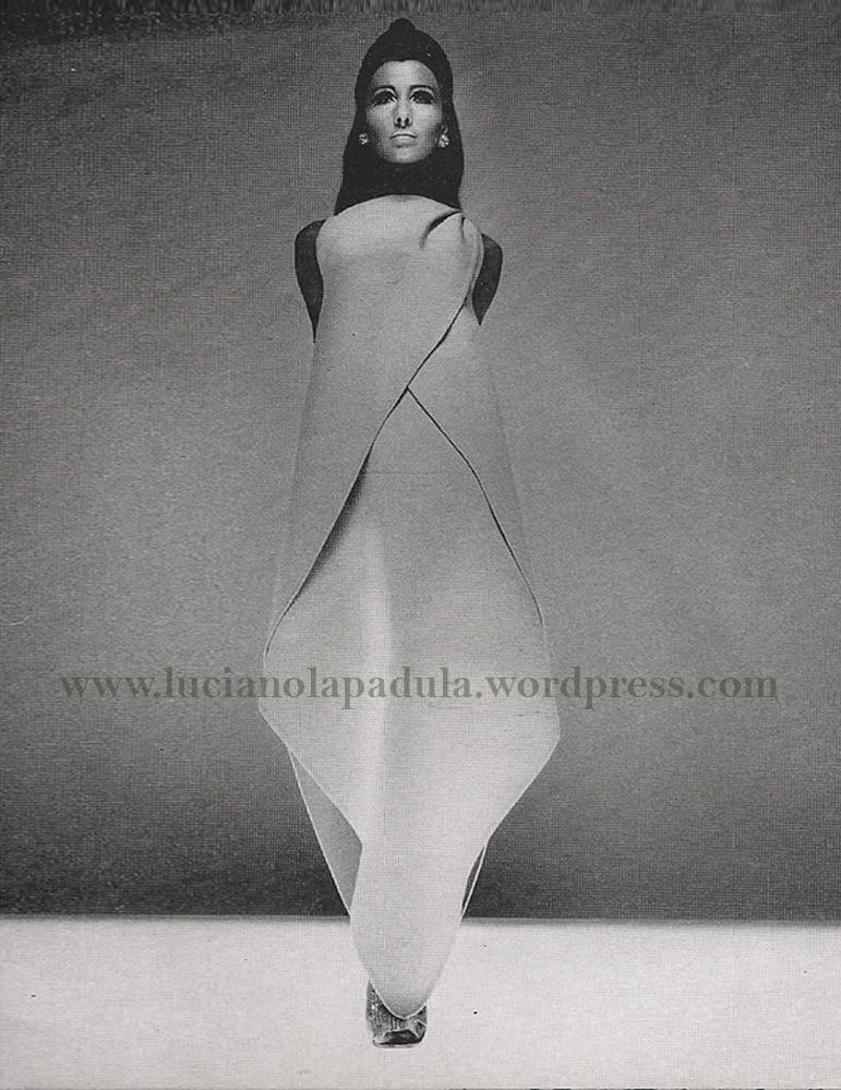 Abito scultura Irene Galitzine, Harper's Bazaar, Ottobre 1966