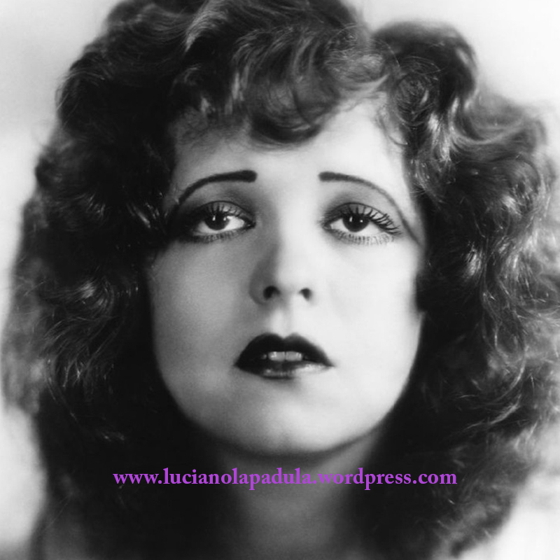 Film star silent erotic sex clara bow with lashes that appear to be beaded blog luciano lapadula history make up makeup 20s book gothic trucco i macabro e il grottesco moda storia costum