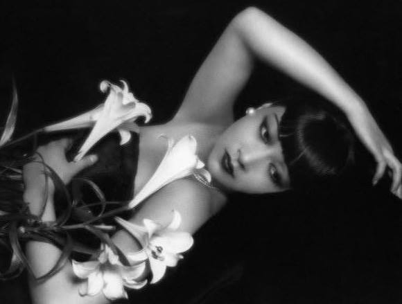 Anna May Wong -1929 photo by Paul Tanqueray