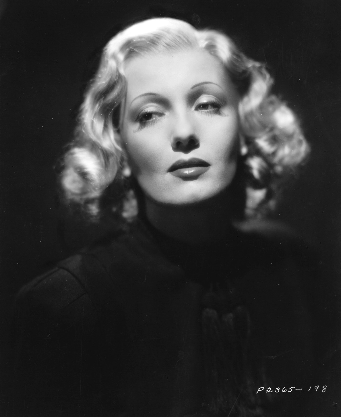 isa miranda dietrich actress the lux on cinema 30s 40s fashion history the lux on