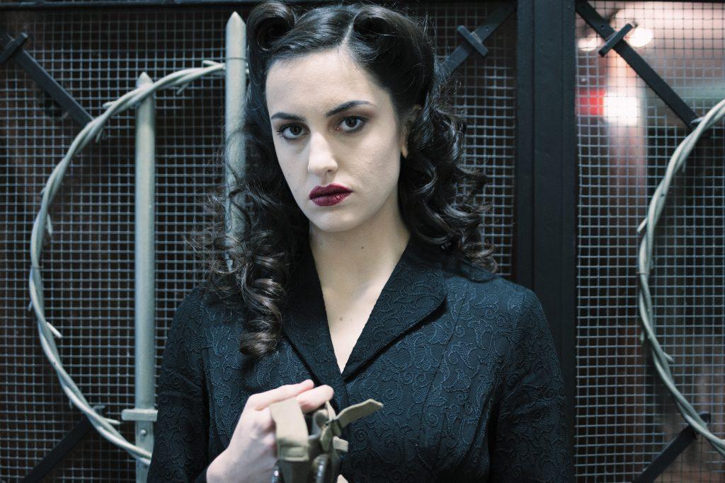 moda sotto le bombe teatro pugnale fascism 40s makeup dress hair 1940s cinema