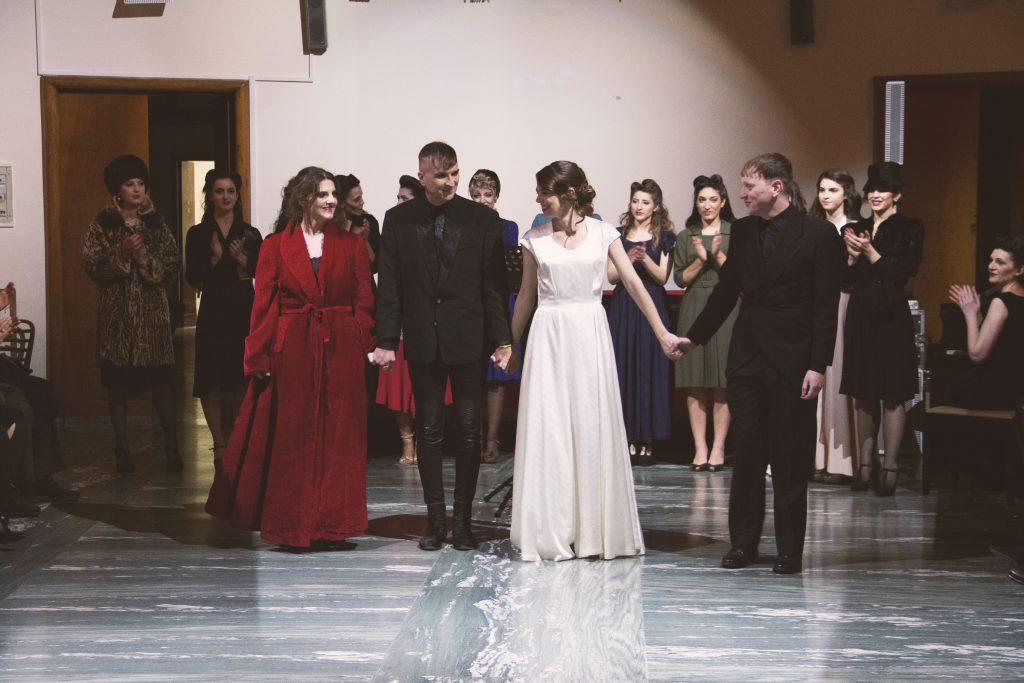 moda sotto le bombe teatro italia spettacolo