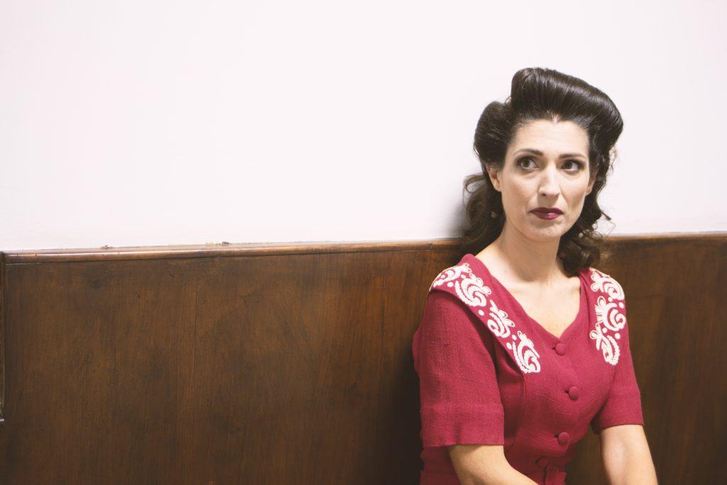 moda sotto le bombe teatro cinema 1940s dress costume hair