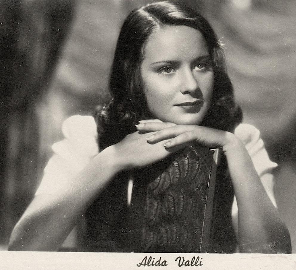 alida valli 30s cinema diva fascism actress beauty fashion history the lux on