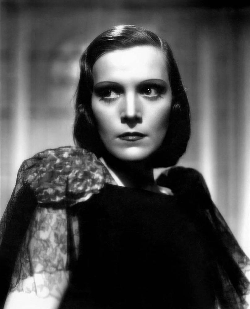 elisa cegani italian 30s 40s actress cinema movie vintage weird creepy fashion fascim divas the lux on blog luciano lapadula