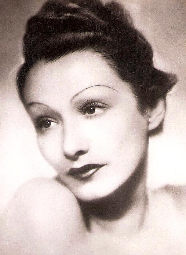 laura nucci weird italian actress cinema movie vintage photography fashion makeup history hair 40s fascist divas